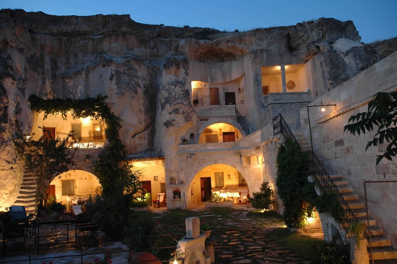 Необычный отель в пещере Кокопелли