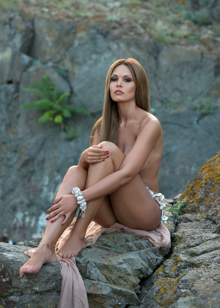 foto-aktris-obnazhennih