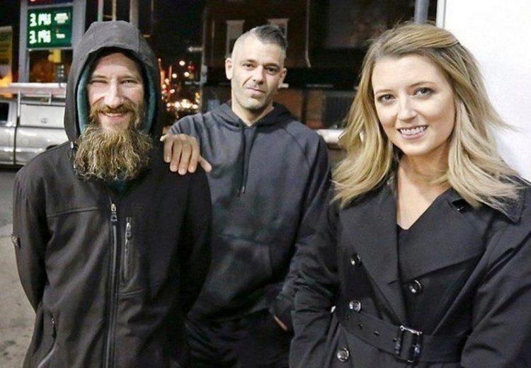Пара собрала для бездомного 400 тысяч долларов пожертвований, но теперь не отдает ему деньги