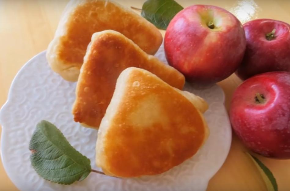 Вкуснейшие слойки с яблочным пюре