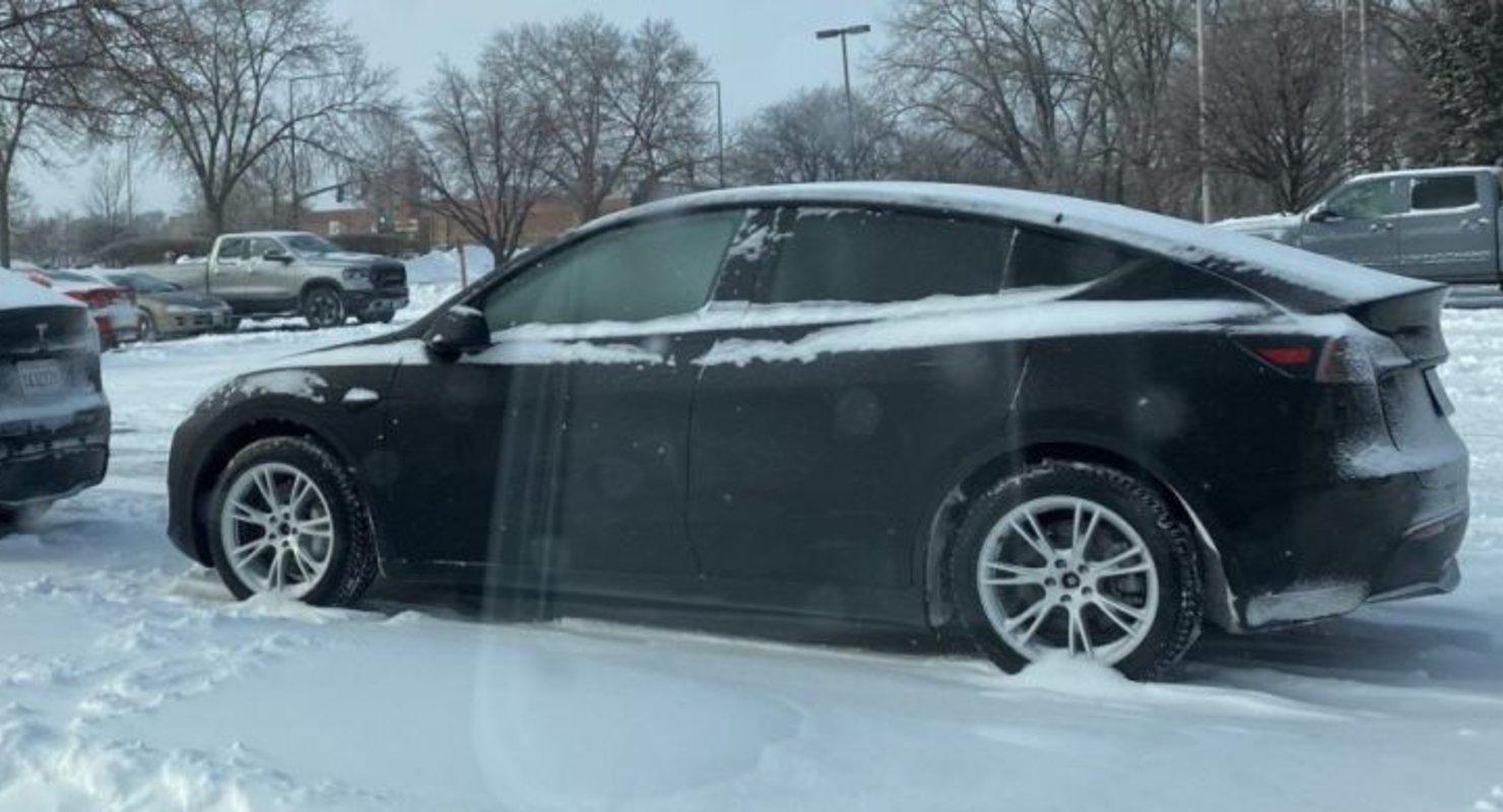 Первая зима позволила Tesla Model Y улучшить рекуперативное торможение Автомобили