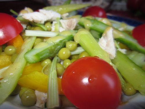 Салат из спаржи с курицей