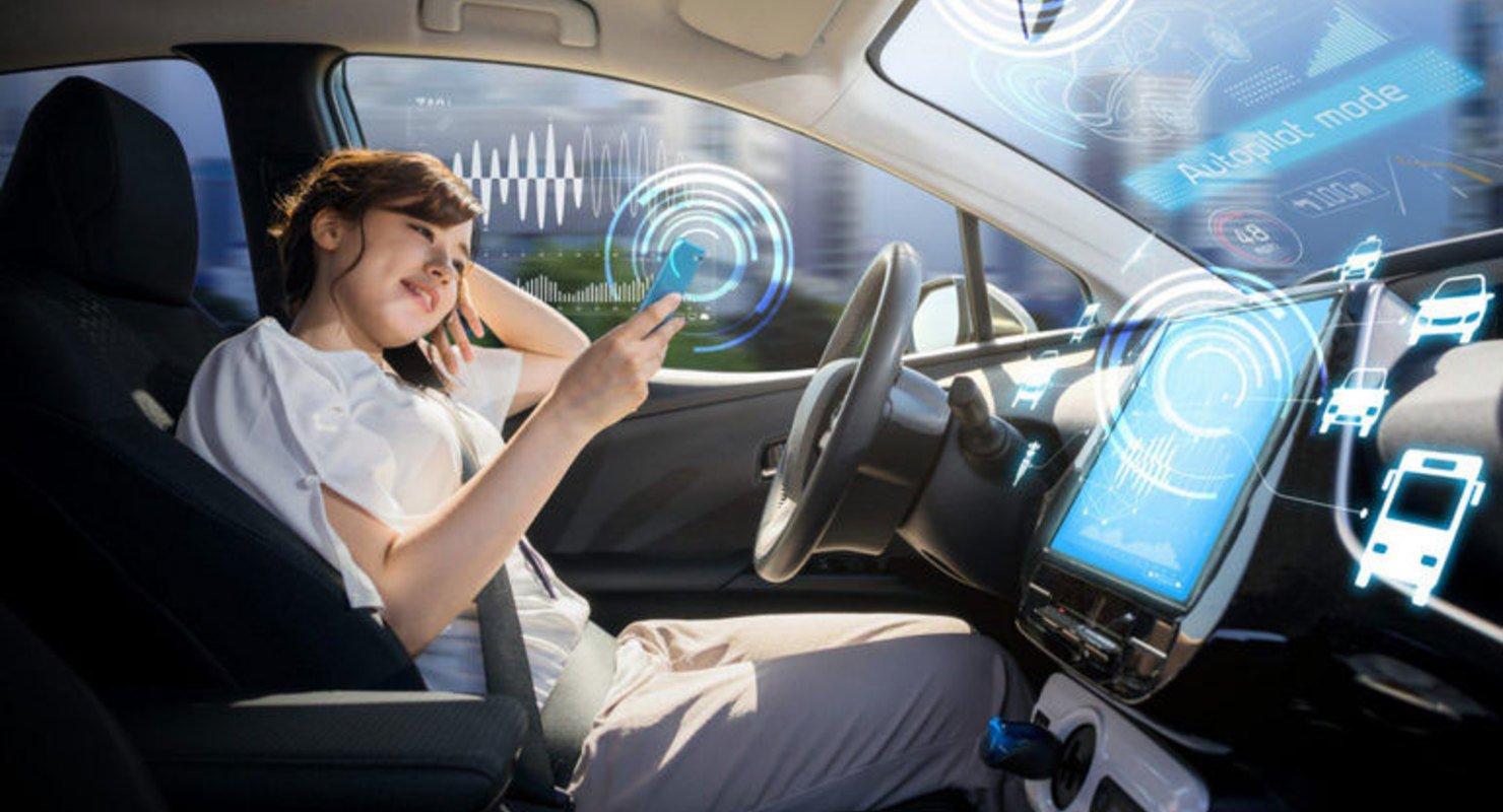 Huawei: Автопилот никогда не заменит водителя-человека Автомобили