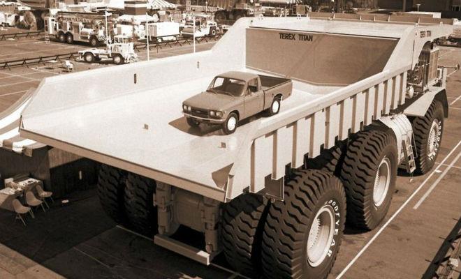 Титан был самым большим самосвалом мира 40 лет: в кузове помешается 10 машин