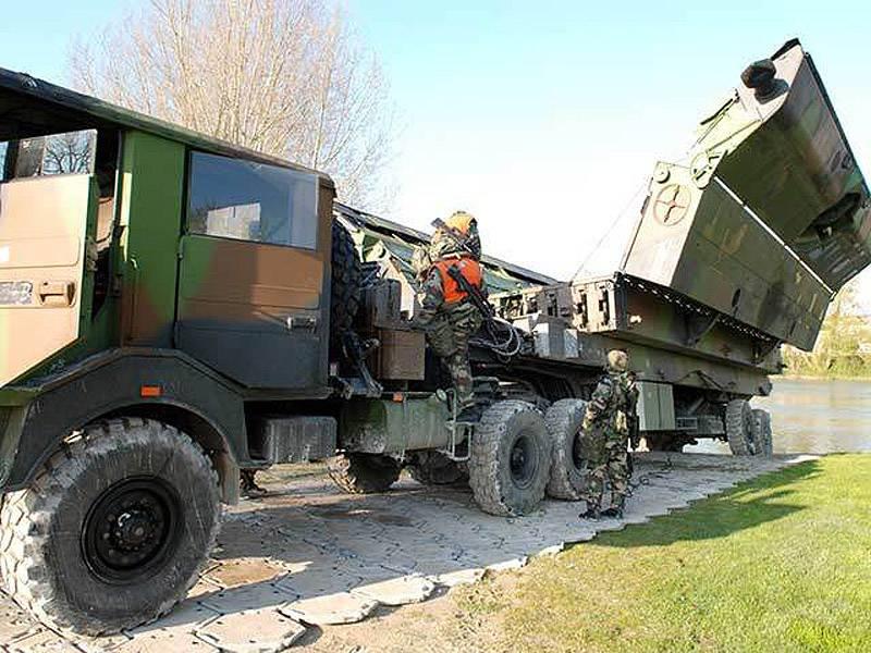 Улучшение понтонно-мостового хозяйства Европы оружие