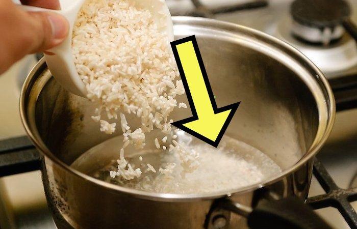 Распространенная ошибка при варке риса, которая может дорого обойтись
