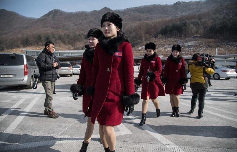 В Пхенчхан прибыли чирлидеры из Северной Кореи ynews, Пхенчхан, зимняя олимпиада, новости, олимпийские игры, северная корея, чирлидеры, южная корея