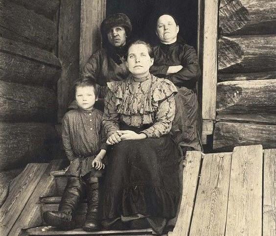 Как наши бабушки привораживали наших дедушек