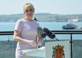 Захарова прокомментировали желание Норвегии удвоить число военных США в стране