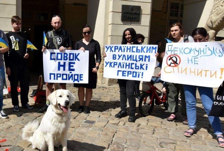 «О маршале Жукове замолвите слово»: что реально произошло при сносе памятника в Харькове