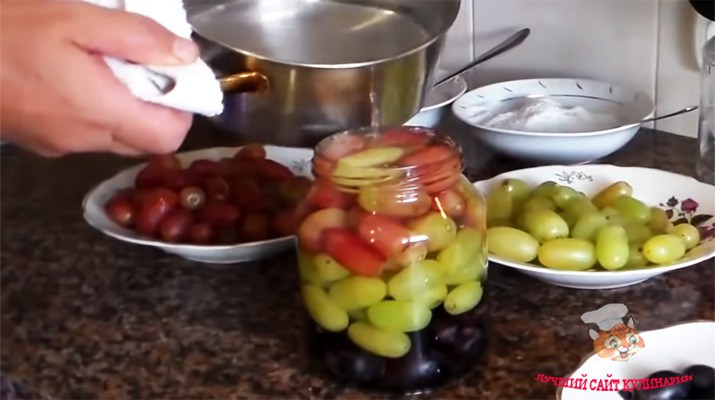 Приготовьте маринованный виноград, и Вы навсегда забудете о покупных оливках!