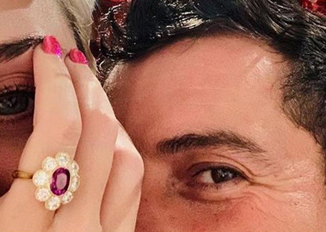 Орландо Блум подарил Кэти Перри помолвочное кольцо, как у Миранды Керр Свадьбы / Платья и кольца