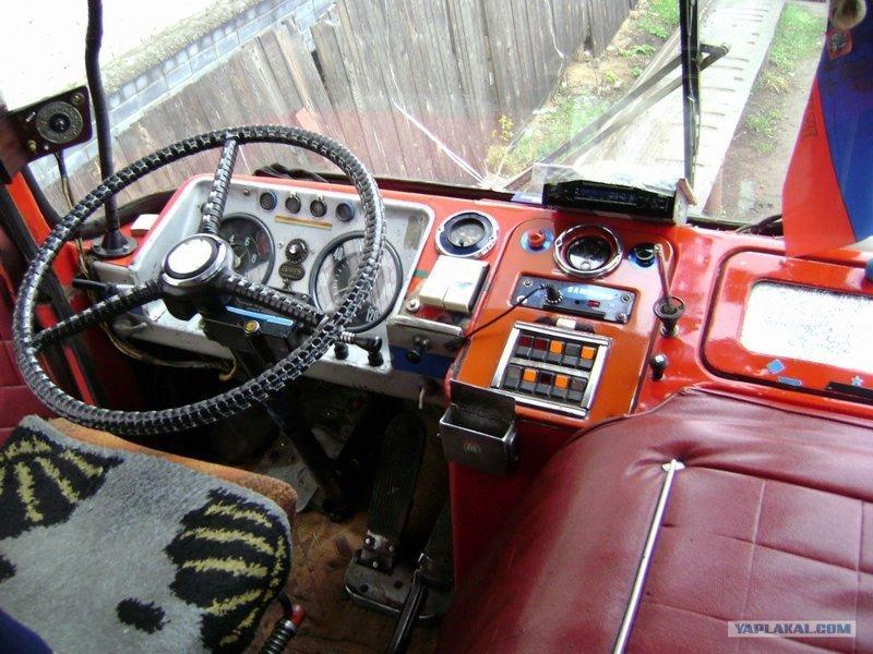 """Переходим к """"самому Теплому месту"""" - Слева за водителем история, советские автобусы, транспорт"""