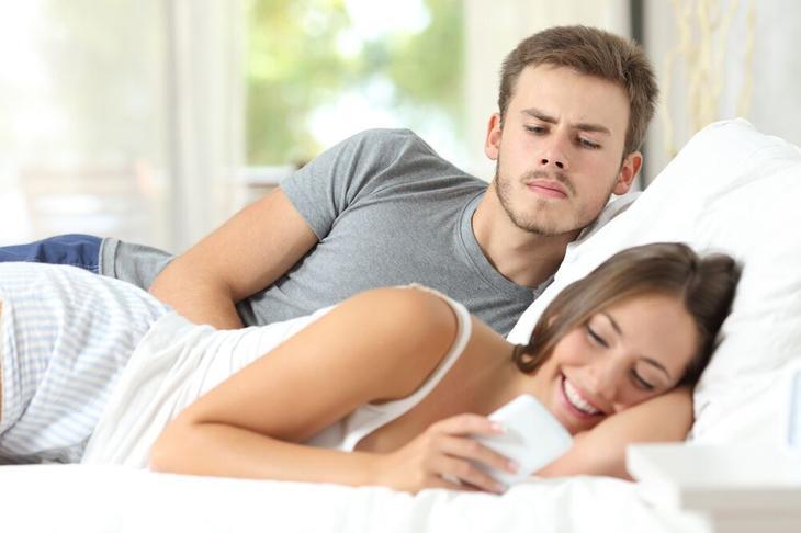 5 типов женщин, которые отталкивают самодостаточных мужчин девушки