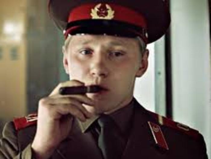 Семен Морозов в роли ефрейтора Збруева | Фото: kino-teatr.ru