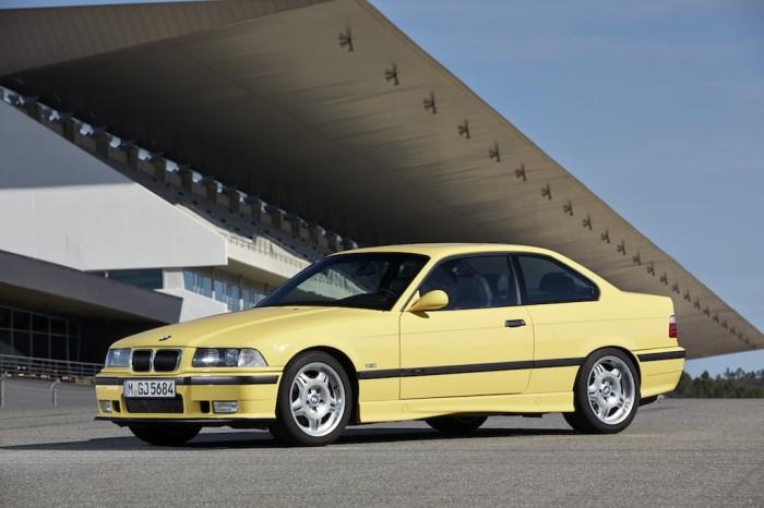 Второе поколение BMW M3 в кузове Е36. | Фото: cheatsheet.com.