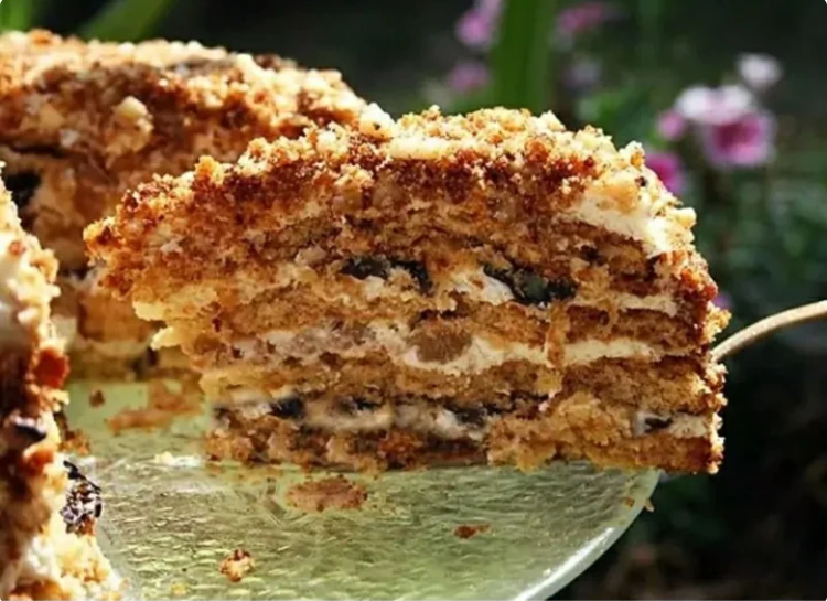Простой в приготовлении торт с потрясающим вкусом: рецепт для самых ленивых хозяек