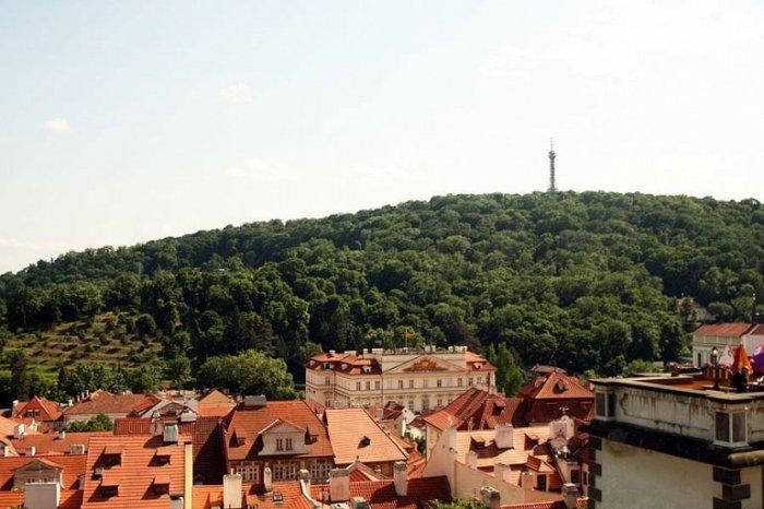 Самый высокий и наиболее живописный из семи пражских холмов – идеальное место для летней прогулки.