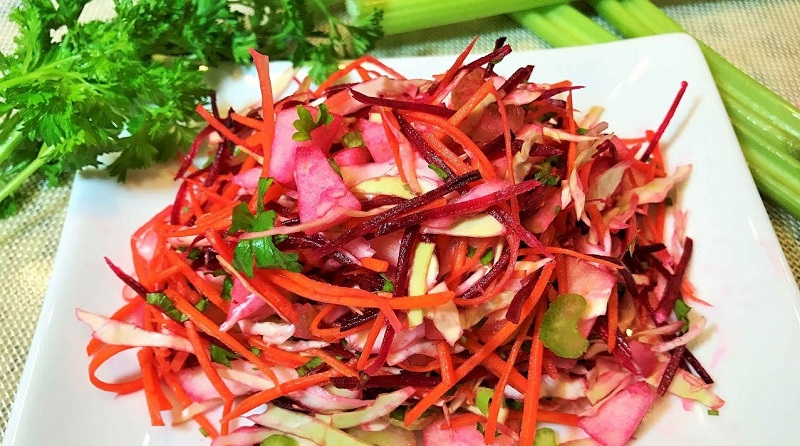 Этот салат — настоящий эликсир красоты и молодости!