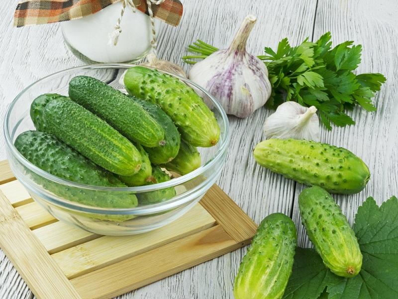 Рецепт маринованных в капустном соке огурцов