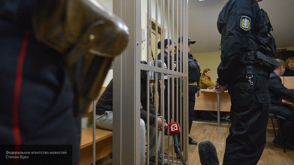 В Архангельске мужчина напал на двух женщин