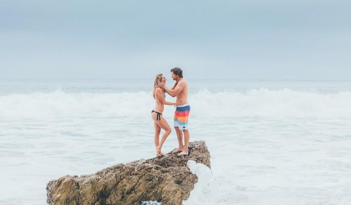 Секс молодой на пляже видео да!