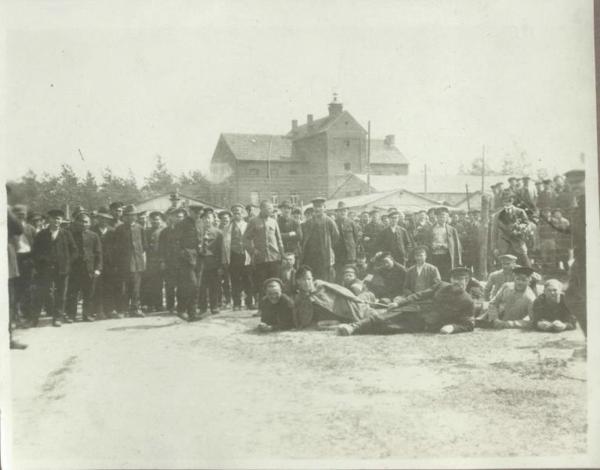 Предположительно, лагерь для военнопленных Хаммельбург. Источник: https://russiainphoto.ru/photos/28052/
