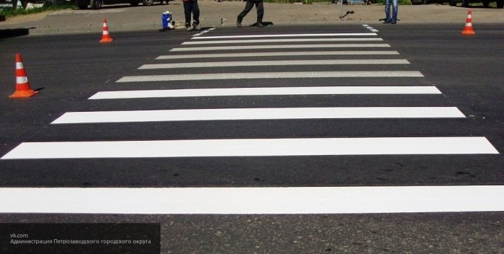 Два школьника попали под колеса авто на площади Мира в Липецке