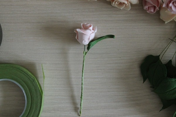 Лепка цветов из полимерной глины: делаем сердце из роз  глина,декор,розы