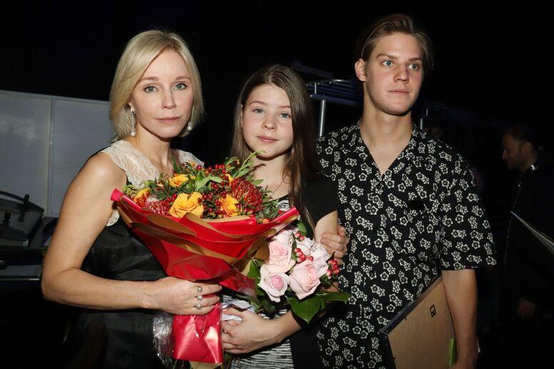 «Какая замечательная»: Марина Зудина показала, как выглядит 14-летняя дочка Олега Табакова актер,актриса,звезда,Марина Зудина,наши звезды,новости,Олег Табаков,фото,шоубиз