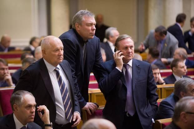 Интриги реинтеграции: как украинские депутаты Донбасс «возвращали»