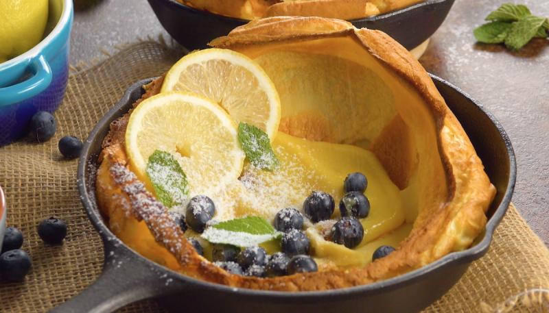 Оригинальный десерт «Голландская детка»: готовим блины в духовке и добавляем начинку