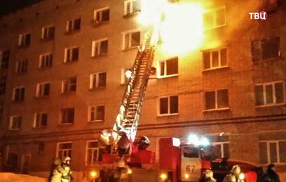 Шесть человек погибли при пожаре в общежитии в Пермском крае
