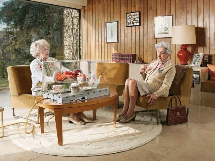 Пожилая дама попросила подру…
