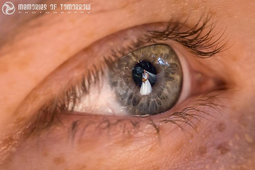 Свадебные фото в отражении глаз