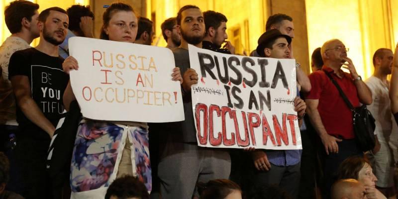 «Санкции» РФ на руку Саакашвили, но Кремлю уже всё равно