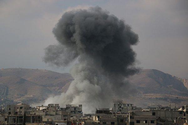 США опять отбомбились в Дейр-эз-Зоре по сторонникам Асада