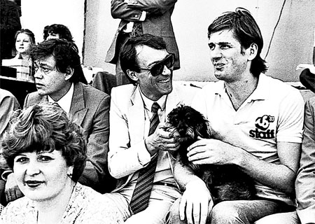 Николай Караченцов, Олег Янковский и Александр Абдулов на футбольном матче.