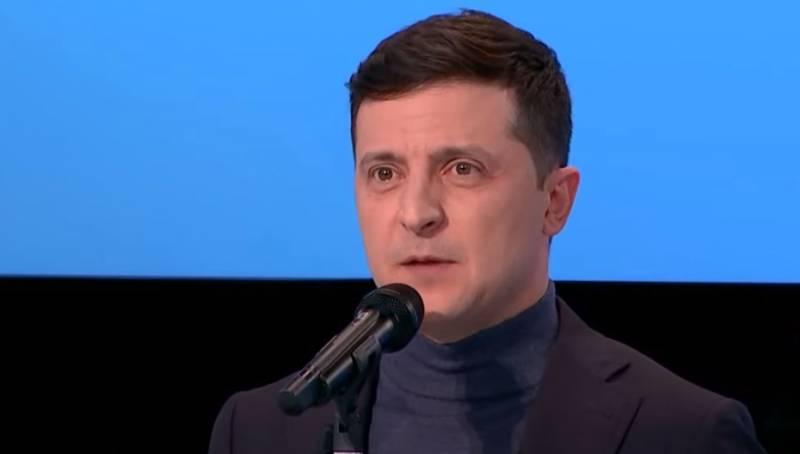 Зеленский заявил, что «очень хочется» поднять над Донбассом флаг как над Рейхстагом украина
