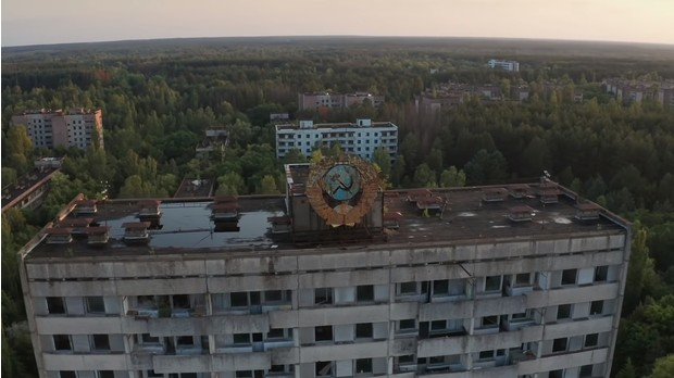 Видео американского блогера о том, как строились дома в СССР, набрало 4 тысячи комментариев