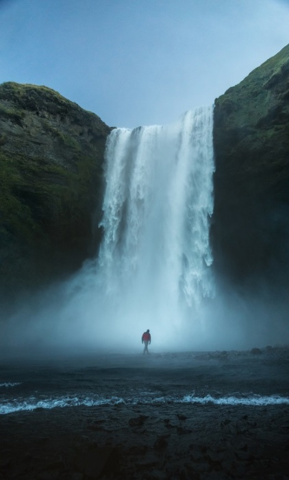 Водопад, который поражает своей мощью и красотой.