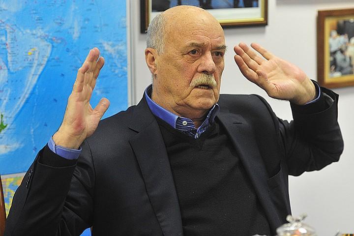 Станислав Говорухин первым пригласил опального Солженицына в Россию