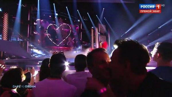 На «России-1» показали целующихся мужчин кино и тв,наши звезды,скандал,шоу,шоубиz,шоубиз