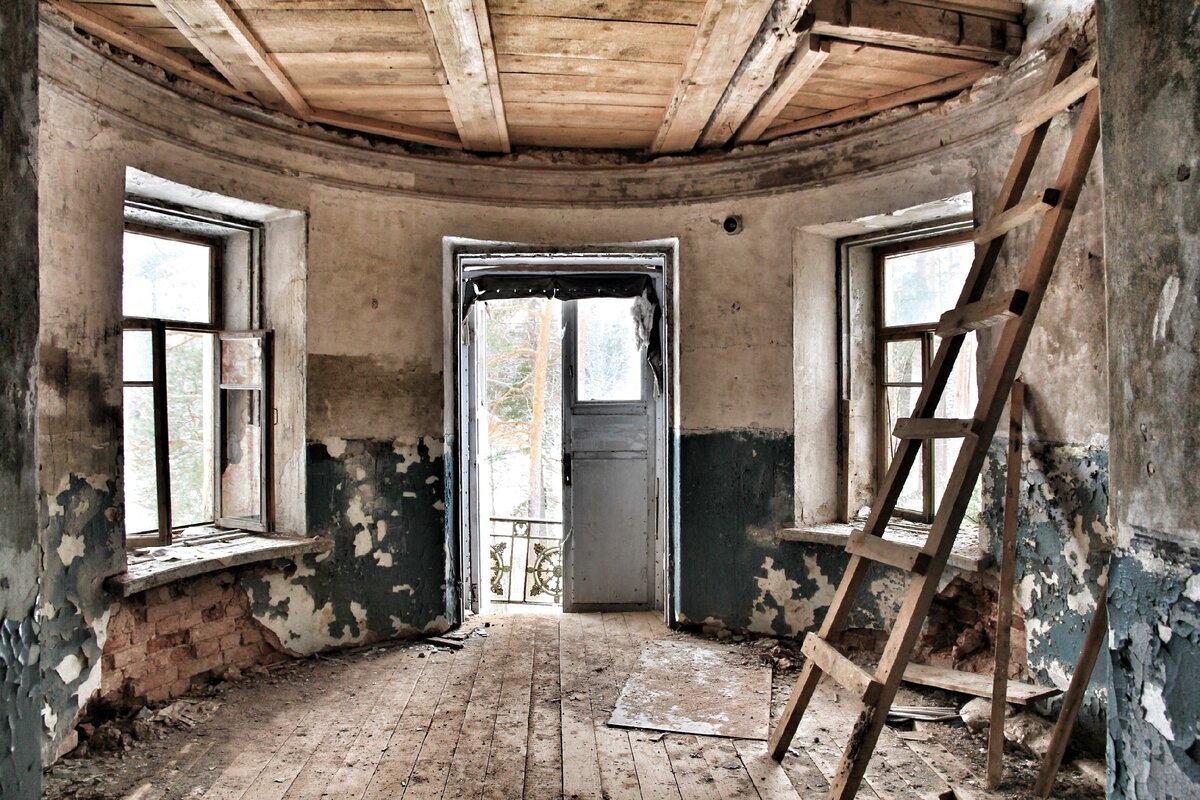 Здесь была красивая винтовая лестница...