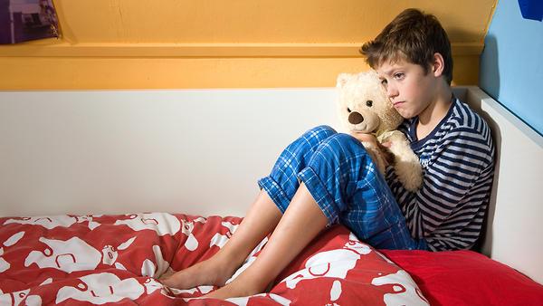 Энурез у детей: причины и ко…