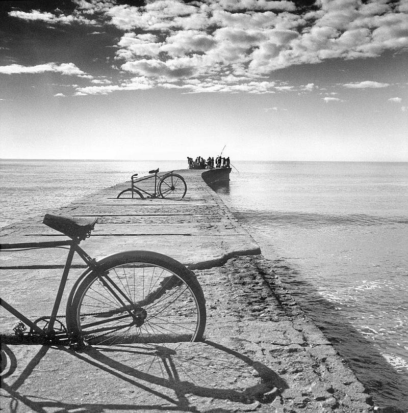 Тело, свет, отражение. Легенда аргентинской фотографии Аннемари Генрих  21