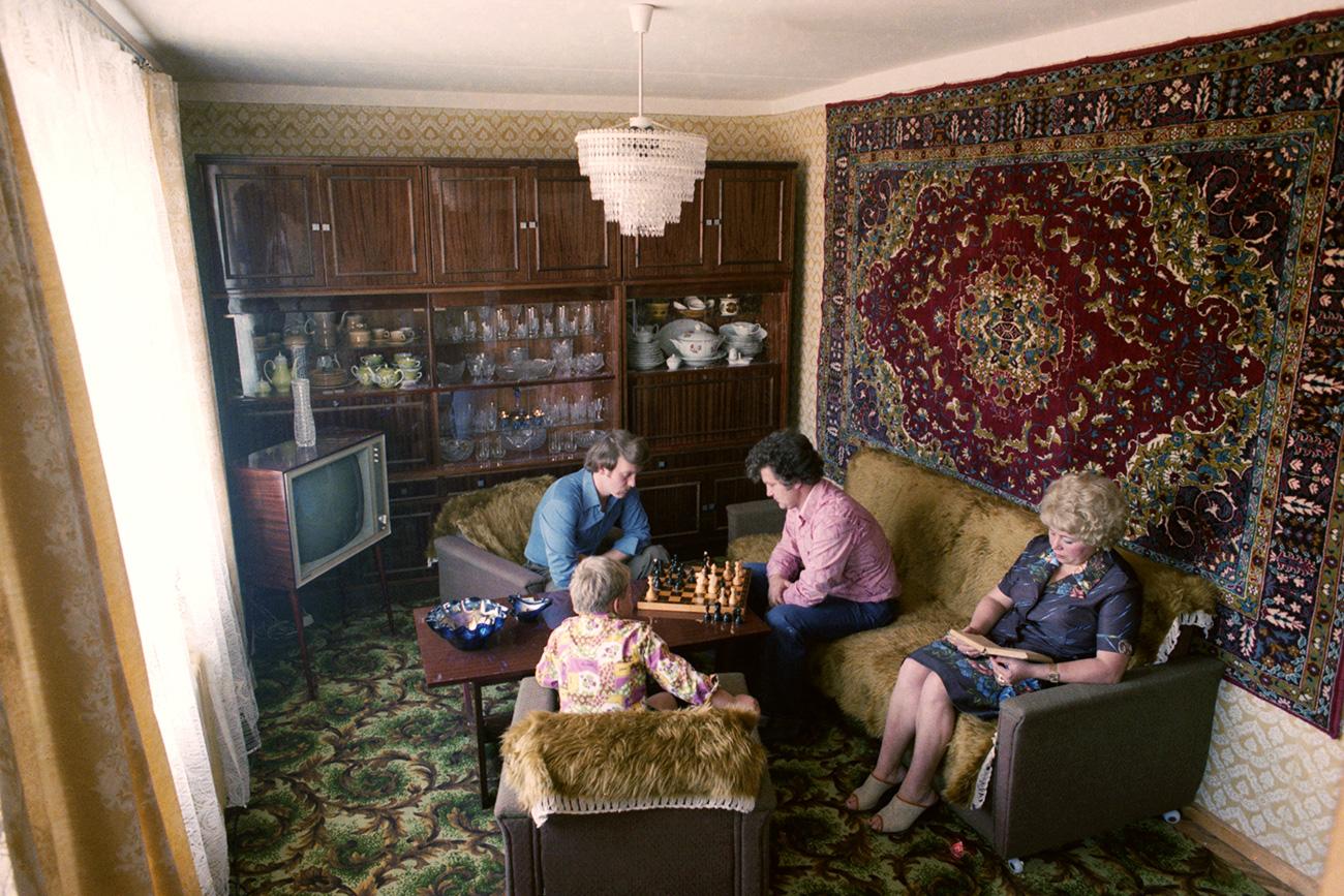 Фото однокомнатной квартиры с цветом шкафов венге кожи