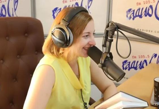 «Я живу в стране, где 74% граждан – это приматы»: прокомментировала итоги выборов ведущая камчатского «Радио СВ»,