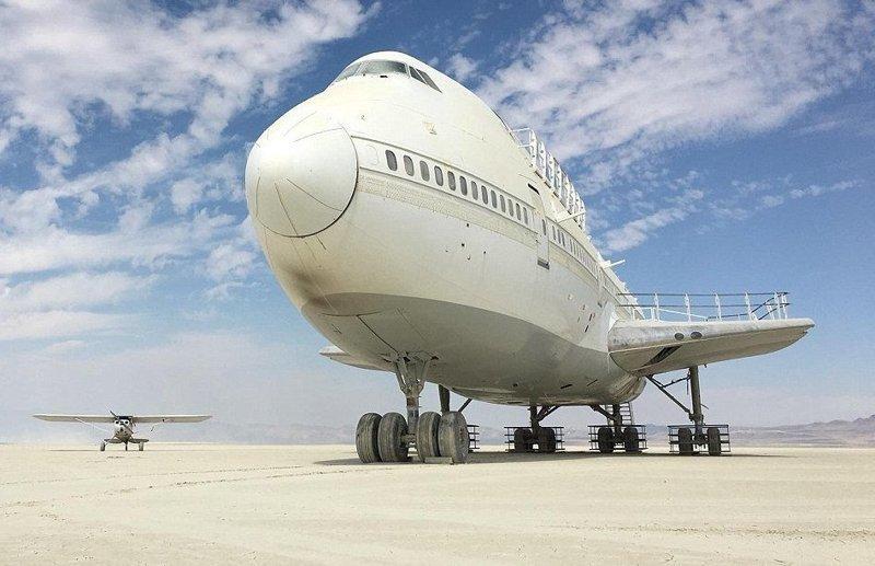 После фестиваля Burning Man в пустыне забыли самолет burning man, ynews, Фестиваль, боинг -747, боинг 747, пустыня, самолет, упс