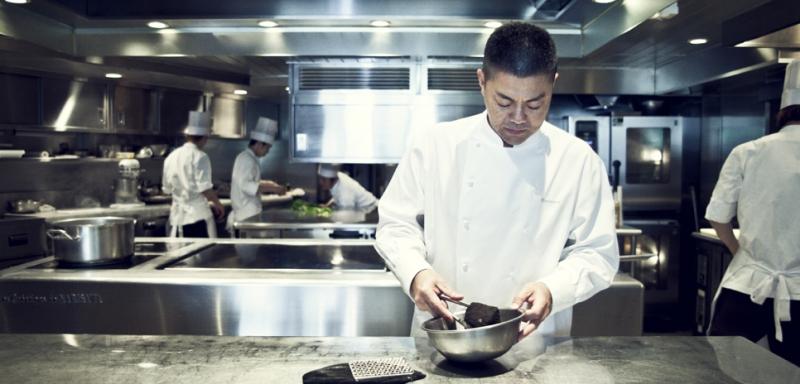 В Narisawa вам приготовят суп из чернозема  нарисава токио, необычная япония, ресторан нарисава, токио, япония